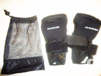 Pair of Wrist Supports / Guards by Dakine (For Left and