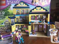 Lego Friends Heartlake Highschool #41005 Retired