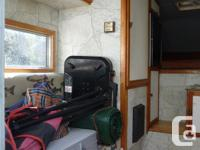 Aluminum frame and skin, import size camper weighs less