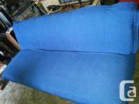 THIS LIKE NEW BLACK WITH BLUE TOP FUTON,IS IN LIKE NEW