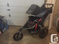 Mint condition 2016 B.O.B. Revolution stroller. Hardly