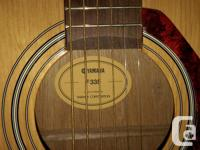 Acoustic guitar 6 strings in a great condition, rarely