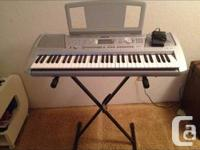 LIKE NEW Yamaha PSR-290, programmable keyboard.