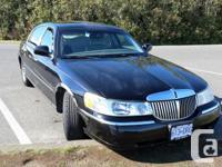 Make Lincoln Model Town Car Year 2001 Colour Black kms