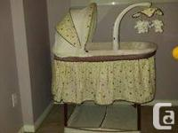 Little Folks Bassinet in great condition. Neutral