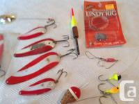 Lot of 32 fishing lurs, floats,sinkers etc. including