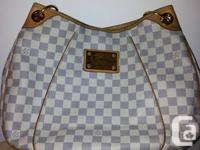 Very well maintained handbag, used only a handful of