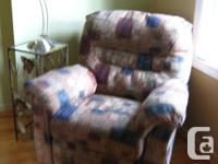 LOVE SEAT (2 PLACES) COLOR BEIGE $35.00 RECLINER CHAIRS