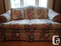 Love seat in excellent problem, including 1 cushion, 2