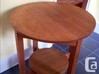 Beautiful occasional table in very good condition.