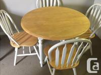Beautiful White Pine Table and Chairs PRICED TO SELL