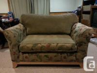 Reversible seat and back cushions to mix and match the