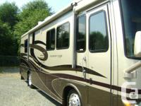 LOW KLMS, GARAGE KEPT 2005 NEWMAR KOUNTRY STAR 33 FOOT