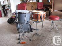 Available is a beautiful vintage 3ply Ludwig African