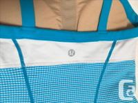 Lululemon tank top colour blocked white, electric blue
