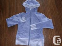Hoodie is in Excellent used condition! ( 9/10 )   -Size