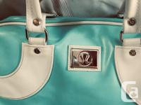 AWESOME Lululemon in a minty light blue and white