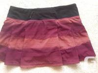 Size 6 Lululemon skirt with built in shorts