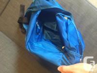 Pretty blue yoga/gym bag from LuluLemon in great