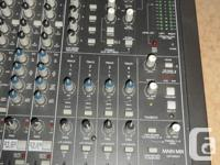 Mackie SR Series 24-4-2 Mixer. Good Condition. Located