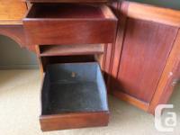 A beautiful mahogany sideboard. Original finish, the