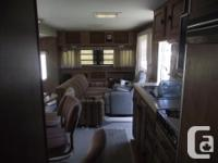 Classy, funky spacious live aboard Tiny Home, 300