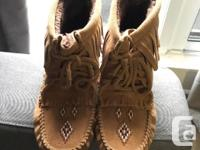 Harvester Suede Lined Moccasins Size: Ladies 8 Colour:
