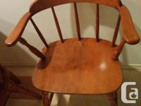 Maple Table 40W x 29H, Excellent condition 4 Maple