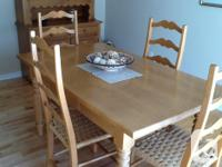 Quality Dinning room set Maple wood table 36 x 60 in.