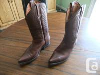 Selling a used Marlboro cowboy boot made by Frye in the