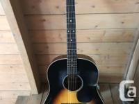 Martin CEO-4R acoustic electric guitar Body: Spruce top