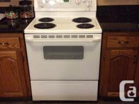 This fridge and stove is in excellent condition. They
