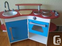 Good used condition Melissa and Doug wooden kitchen and