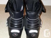 Lightly used Men's Joe Rocket Meteor Motorcycle Boot. -