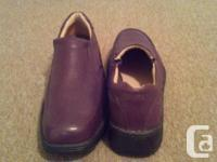 Excellent condition, like new. Coffee brown leather