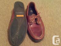 Great casual shoe, minor wear on sole, rawhide laces