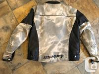 Mens Shift M1 grey camo leather motorcycle jacket. Size