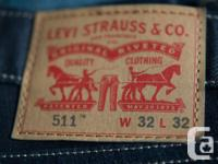 Selling my LIKE NEW Mens Levi's 511 Slim jeans (size