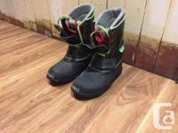 Heavy Duty leather snowboard boots made by Sorel. Would