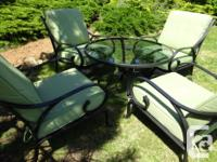 Set of four chairs with seat and back cushions and