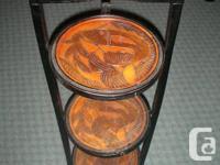 Meuble décoratif avec tablettes / Decorative stand with