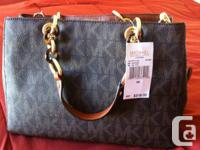BRAND NAME NEW WITH TAGS ATTACHED!  - tool Michael Kors
