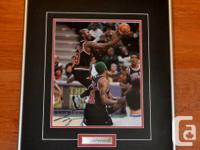 ONE OF A KIND MICHAEL JORDAN AUTOGRAPH IN FRAMED PHOTO