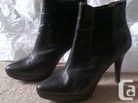 MICHAEL Michael Kors Leather Ankle Boots in black, size