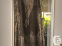 Beautiful dress, worn once, size M Can be purchased