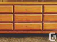Very nice walnut 9 drawers dresser. Amazing look.