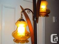 MID CENTURY TENSION POLE LAMP w/AMBER CUT & ETCHED