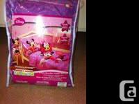 4 Piece Minnie Mouse toddler/crib bedding. Flat sheet,
