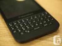 Mint condition Blackberry q5 - Black color   With