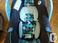 Hi.. i am selling Graco car seat with base for infant.